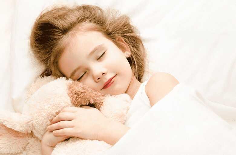 Rèn thói quen cho con đi ngủ đúng giờ và đưa con vào giấc ngủ sâu
