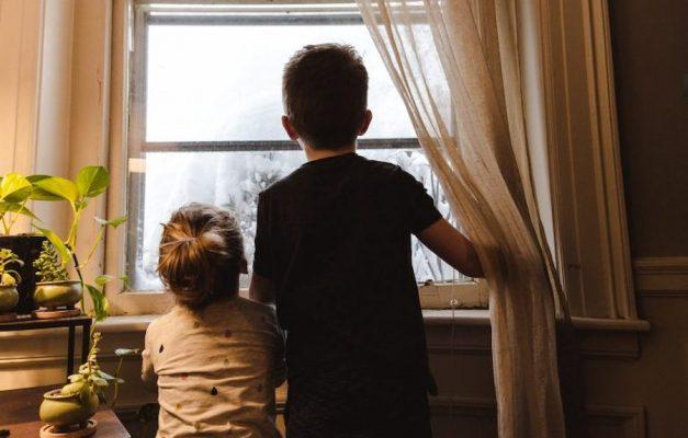 Tự kỷ là gì và cách dạy trẻ tự kỷ